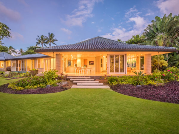 Anini Beach front home on Kauai, Hawaii